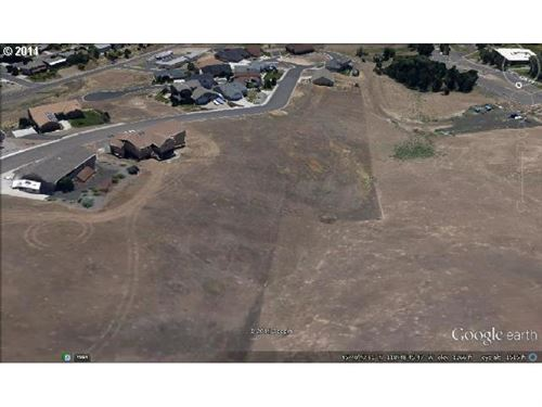 Photo of 735 NW 23RD ST, Pendleton, OR 97801 (MLS # 14257961)