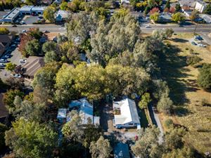 Photo of 2805 Churn Creek Rd, Redding, CA 96002 (MLS # 17-5820)