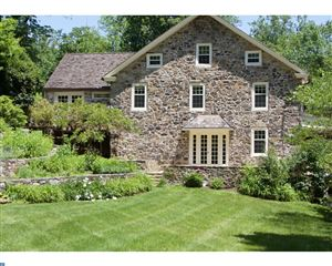 Photo of 4701 MILL HOLLOW LN, NEWTOWN SQUARE, PA 19073 (MLS # 7055125)