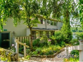 Photo of 10 Toxaway Shores, Lake Toxaway, NC 28747 (MLS # NCM585283)