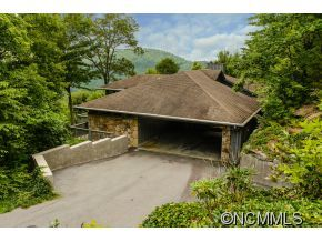 Photo of 144 Toxaway Trace, Lake Toxaway, NC 28747 (MLS # NCM545350)