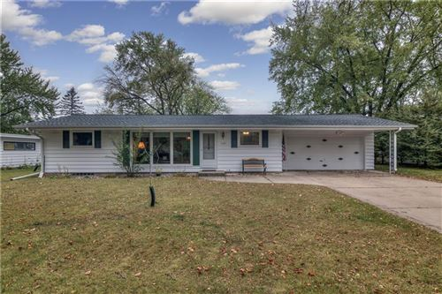 Photo of 1774 SHALOM DR, WEST BEND, WI 53090 (MLS # 1559019)