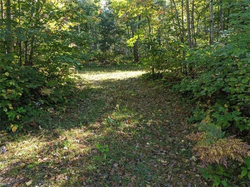 Photo of 835 E Bay Point Rd, BAYSIDE, WI 53217 (MLS # 1536023)