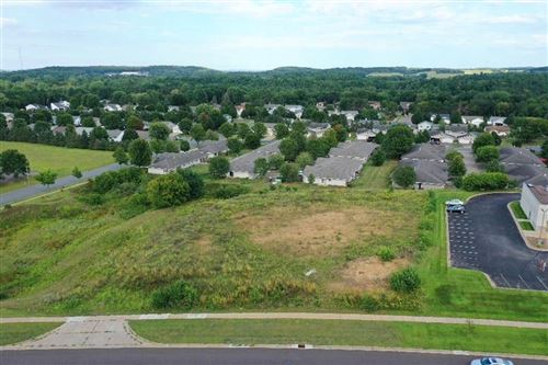 Photo of N7544 Cool Hill CT, ELKHORN, WI 53121 (MLS # 1546029)
