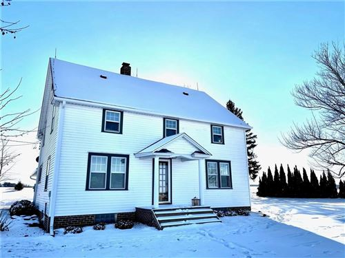 Photo of 915 W Conger, WHITEWATER, WI 53190 (MLS # 1550042)