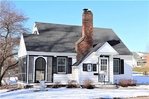 Photo of 4856 N WOODRUFF AVE, WHITEFISH BAY, WI 53217 (MLS # 1550059)