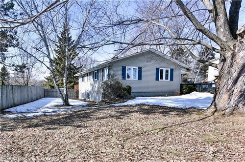 Photo of 315 Park Hill DR #G, PEWAUKEE, WI 53072 (MLS # 1540061)