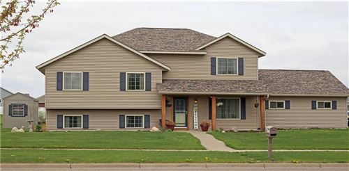 Photo of 1600 HIGHLAND DR, ELM GROVE, WI 53122 (MLS # 1553069)