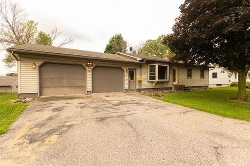 Photo of 512 S 6TH ST, WATERTOWN, WI 53094 (MLS # 1556097)