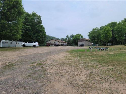 Photo of N86W15895 RIVERSIDE BLUFF RD, MENOMONEE FALLS, WI 53051 (MLS # 1551104)