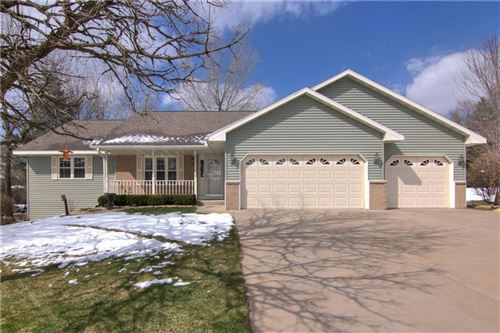 Photo of 1044 Springs Rd, FOND DU LAC, WI 54935 (MLS # 1541147)