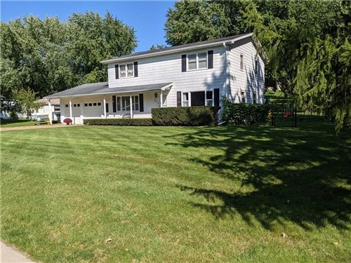 Photo of 1604 S 9TH ST, WATERTOWN, WI 53094 (MLS # 1559204)