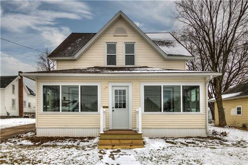 Photo of 9627 N LAMPLIGHTER LN, MEQUON, WI 53092 (MLS # 1551214)