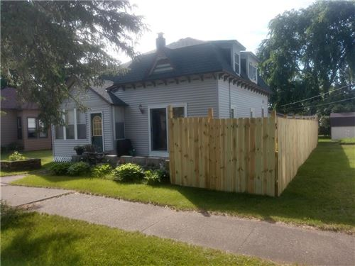 Photo of 1400 E FOX LN, FOX POINT, WI 53217 (MLS # 1539221)