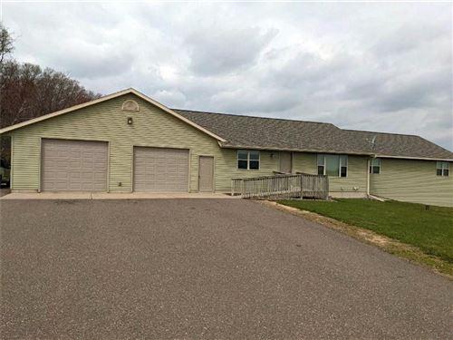Photo of N71 W23509 Homestead Rd, SUSSEX, WI 53089 (MLS # 1549221)
