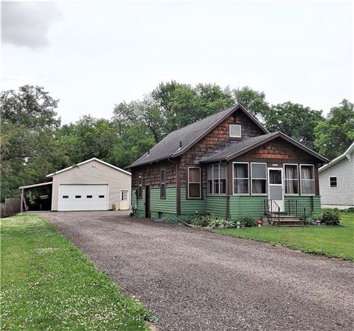 Photo of 203 CLEVELAND AVE, HARTFORD, WI 53027 (MLS # 1555234)
