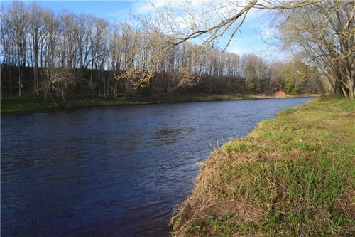Photo of W289N3344 Lost Creek Ct, PEWAUKEE, WI 53072 (MLS # 1540246)