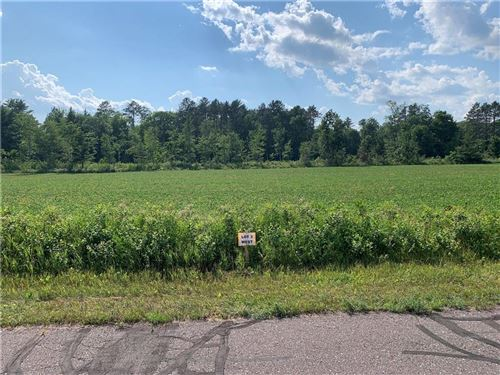 Photo of 7606 S NORTH CAPE RD, FRANKLIN, WI 53132 (MLS # 1555262)