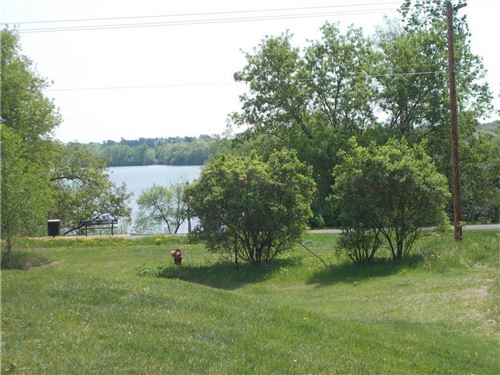 Photo of 230 CHRISTIE LN, TWIN LAKES, WI 53181 (MLS # 1550310)