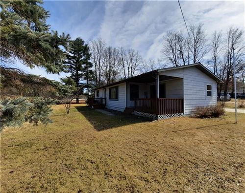Photo of 490 GREEN MEADOW DR, BROOKFIELD, WI 53045 (MLS # 1551310)