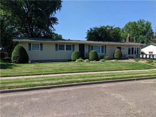 Photo of 333 PARK HILL DR #F, PEWAUKEE, WI 53072 (MLS # 1556313)