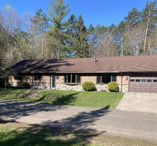 Photo of 249 W THORNAPPLE LN, MEQUON, WI 53092 (MLS # 1551402)