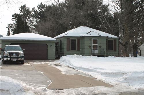 Photo of 3411 W Lynndale Ave, GREENFIELD, WI 53221 (MLS # 1539422)