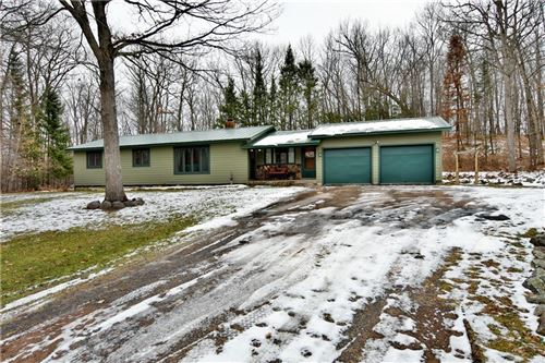 Photo of 316 Stonefield Dr, JOHNSON CREEK, WI 53038 (MLS # 1549425)