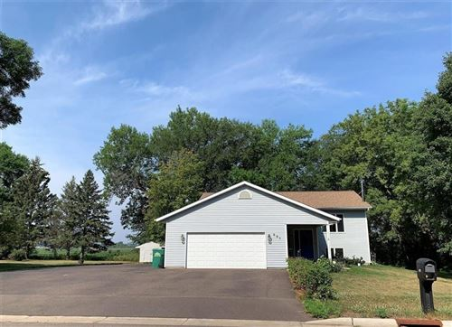 Photo of 5513 SCENERY DR, WATERFORD, WI 53185 (MLS # 1556452)