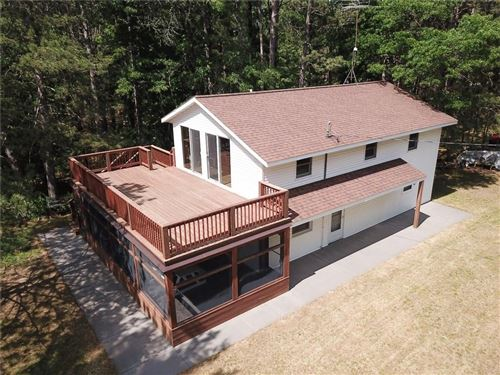 Photo of N69W23465 DONNA DR, SUSSEX, WI 53089 (MLS # 1554474)