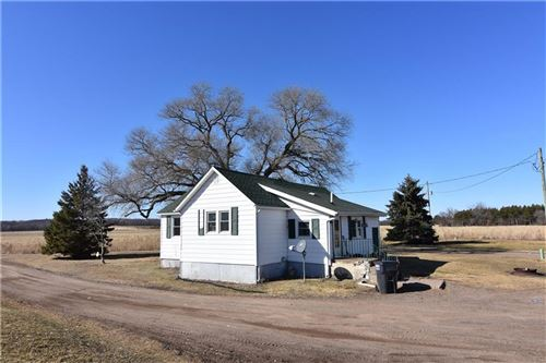 Photo of 229 PARK AVE, EAGLE, WI 53119 (MLS # 1550522)