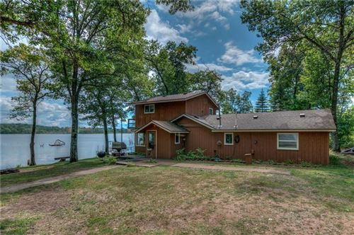 Photo of 19355 Warwick DR, BROOKFIELD, WI 53045 (MLS # 1539535)