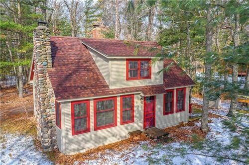 Photo of 1370 S PARKWAY DR, BROOKFIELD, WI 53005 (MLS # 1551555)