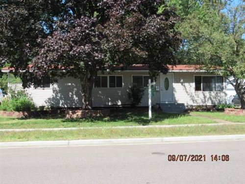 Photo of 2903 W HIDDEN LAKE RD, MEQUON, WI 53092 (MLS # 1557567)