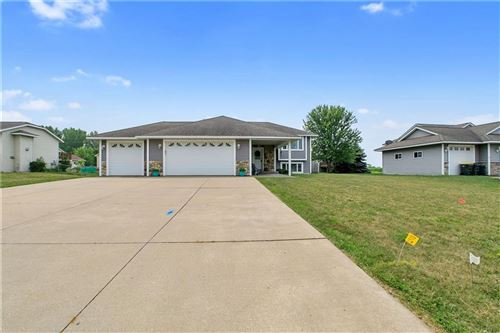 Photo of 499 WOODFIELD CIR, WATERFORD, WI 53185 (MLS # 1556574)