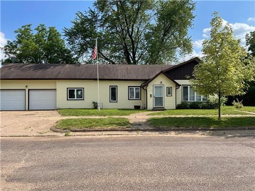 Photo of 4668 LAKEVIEW CIR, SLINGER, WI 53086 (MLS # 1554636)