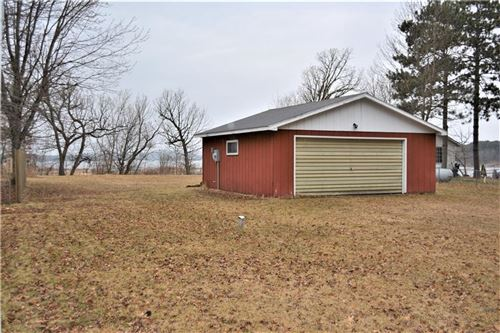Photo of 1403 CARRIAGE DR, WEST BEND, WI 53095 (MLS # 1551647)