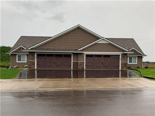 Photo of 517 Cedar St, HARTFORD, WI 53027 (MLS # 1549648)