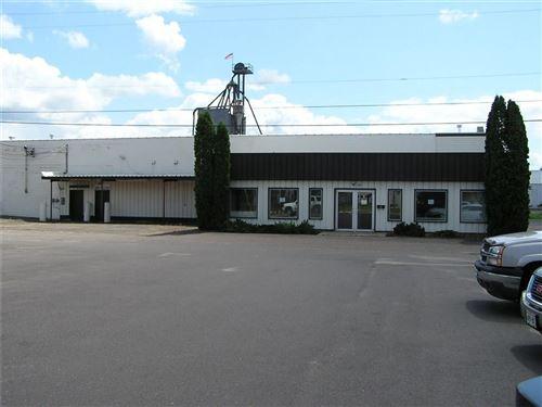 Photo of 502 W Red Pine CIR, DOUSMAN, WI 53118 (MLS # 1534664)