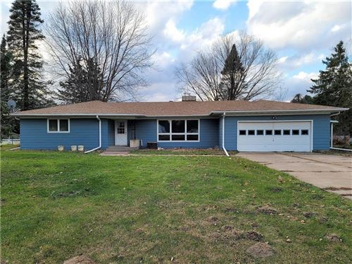 Photo of 7864 N GREEN BAY RD, RIVER HILLS, WI 53217 (MLS # 1555713)