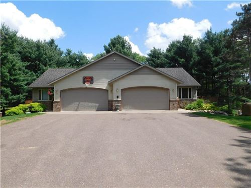 Photo of 6230 N SUNNY POINT, GLENDALE, WI 53217 (MLS # 1553765)