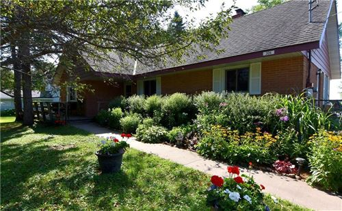 Photo of 3904 W Forest Hill Ave, FRANKLIN, WI 53132 (MLS # 1534772)