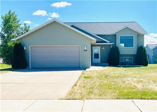 Photo of 5415 WOLFBERRY CIR, GREENDALE, WI 53129 (MLS # 1554778)