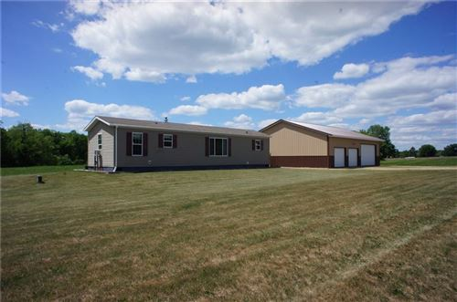 Photo of 2004 E LAKESHORE DR, TWIN LAKES, WI 53181 (MLS # 1554813)