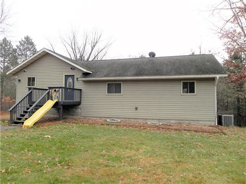 Photo of N40W32640 Nashotah Ave, NASHOTAH, WI 53058 (MLS # 1537817)