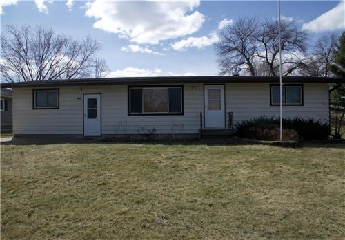 Photo of 617 GREEN RIDGE CIR, WATERTOWN, WI 53094 (MLS # 1551817)
