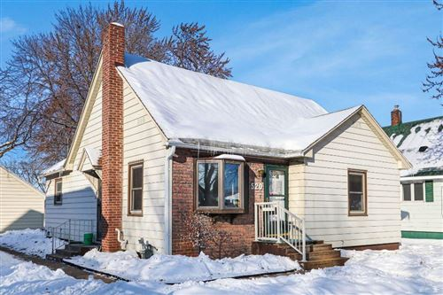 Photo of 3928 E Squire ave, CUDAHY, WI 53110 (MLS # 1538818)