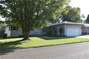 Photo of 13610 Park Circle South, ELM GROVE, WI 53122 (MLS # 1535826)