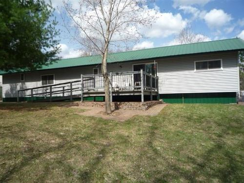 Photo of 222 Johns St, DELAFIELD, WI 53018 (MLS # 1541839)