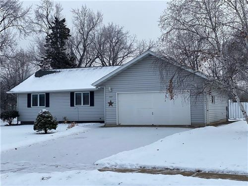 Photo of 802 FAIRVIEW, SOUTH MILWAUKEE, WI 53172 (MLS # 1549846)